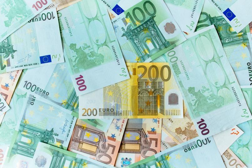 Billetes de euros representando el blanqueo de capitales